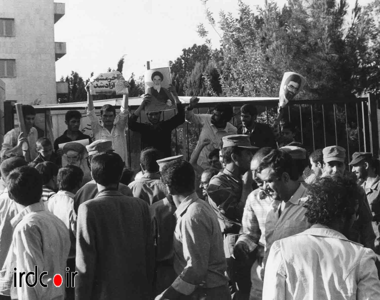 تصاویری از شادی مردم ایران پس از فتح خرمشهر